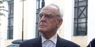 Με τη δέσμευση της περιουσίας του Άκη Τσοχατζόπουλου και την επιδίκαση αποζημίωσης του Δημοσίου με ποσό 1.570.000 ευρώ, εκ των οποίων το 1 εκατομμύριο «χρεώθηκε» στον πρώην υπουργό, ολοκληρώθηκε η τελεσίδικη ετυμηγορία της δικαιοσύνης για τις «χρυσές μίζες» από εξοπλιστικά προγράμματα.